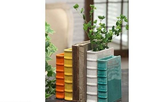 Kitap görünümlü vazo