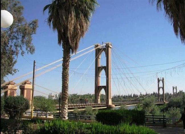 Deyrizor Köprüsü, Suriye  Fransız yapımı olan asma köprü patlamalarda büyük zarar gördü ve yıkıldı.