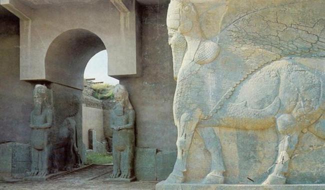 Nimrud Antik Kenti, Irak  Musul'un güneyinde bulunan antik Asur kenti tarih boyunca pek çok farklı kültürün zenginliklerini barındırdı. İlk olarak 2003 yılında yağmalanan şehir 2015 yılında da Işid militanlarının saldırısına uğradı.