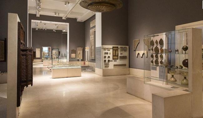 Kahire İslam Sanatları Müzesi, Mısır  Etkileyici koleksiyonuyla dikkat çeken müze 1881 yılında kurulmuştu. 8 yıllık bir restorasyon sonucu tekrardan açılan müze açılıştan kısa bir süre sonra çevredeki bir karakolun bombalanması sırasında zarar gördü ve yeniden kapandı.