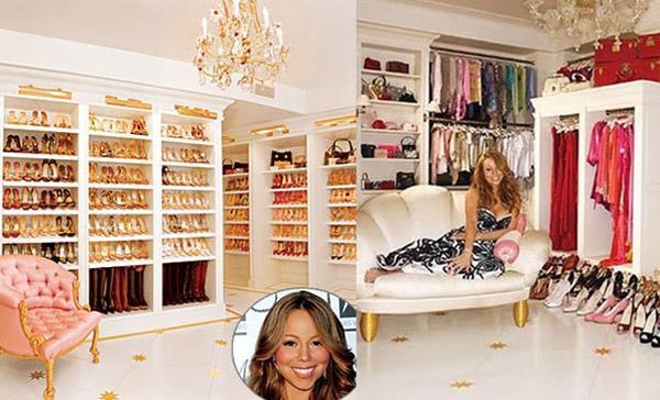 Mariah Carey  New York Manhattan'da yaşamını tripleks bir dairede sürdüren Mariah Carey dairesinin bir katını neredeyse gardıroba çevirmiş durumda. Ünlü şarkıcının 1.000 çift ayakkabısı bulunuyor. Dolapların içi materyallere ve renklere göre ayrılmış. Özel günlerde kullanacağı kıyafetleri ise ayrı bir bölümde tutuyor.