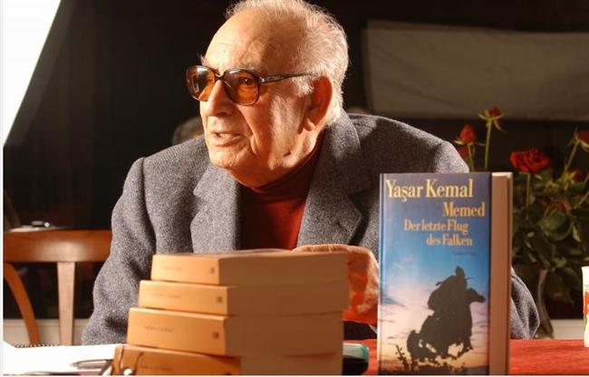 Türk edebiyatının en başarılı ismi Yaşar Kemal
