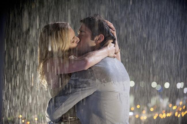 """-Sana olan tutkumu kaybetmeyeceğime.  -Birbirimize """"seni seviyorum"""" demeyi bırakmamıza izin vermeyeceğime."""