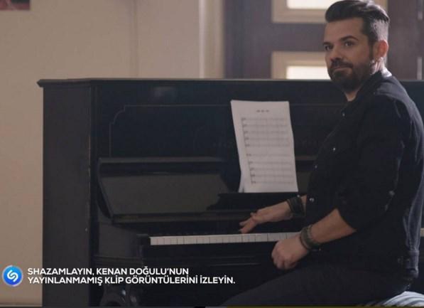 Kenan Doğulu  'Aşk ile Yap' yeni versiyonu Shazam'ladınız mı? Mobil cihazlarınıza indireceğiniz popüler şarkı tanımlama uygulaması Shazam'ı 'Aşk İle Yap' klibi esnasında kullanarak şarkıyı taratın, ikinci bir ekrandan senkronize bir şekilde klibin özel yeni görüntülerini izlemenin keyfini çıkarın.  Arçelik katkılarıyla ilk kez 'Aşk ile Yap' klibi için hazırlanan ve klibi ikinci bir ekrandan izleme olanağını bulacağınız bu eğlenceyi kaçırmayın!