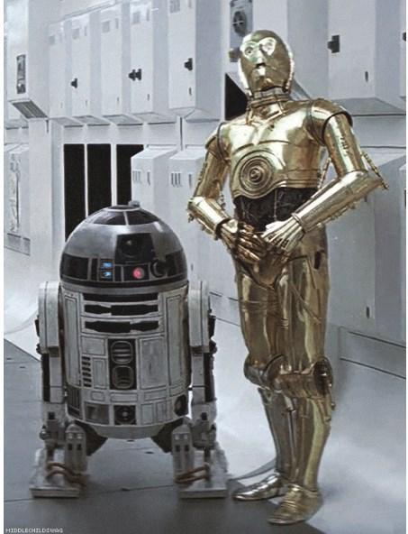 Serinin şu ana kadarki tüm filmlerinde rol alan sadece iki kişi var: Anthony Daniels (C3PO) ve Kenny Baker (R2D2)