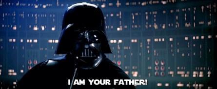 """Luke Skywalker Darth Vader'ın babası olduğunu neredeyse Empire Strikes Back vizyona girene kadar bilmiyordu.  Bu biraz efsane gibi duruyor ama meşhur """"ben senin babanım"""" sahnesinin çekiminde """"Obi-Wan senin babanı öldürdü"""" repliği söylenmiş ve buna göre oynanmış. Film bitirilince de şok şok şok, flaş faş flaş!"""