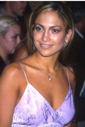 Jennifer Lopez'in 1999'da On the 6 albümü çıkardığı dönemdeki görüntüsü.