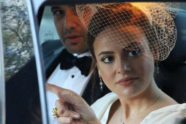 KEREMCEM - SEDA GÜVEN  Paris'te dünya evine giren Keremcem ve Seda Güven boşandı. Evlilik teklifi ve düğünleri ile dikkatleri üzerine çeken ünlü çiftin boşanma kararı şok etkisi yarattı. Çiftin evliliği sadece 9 ay sürdü.
