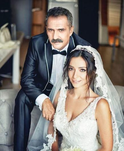 ÖYKÜ GÜRMAN - YAVUZ BİNGÖL  Ünlü ses sanatçısı ve sinema oyuncusu Yavuz Bingöl, Öykü Gürman Kuruçeşme Suada'da düzenlenen nikâh töreniyle dünyaevine girdi. Çiftin nikâhını İstanbul Büyükşehir Belediye Başkanı Kadir Topbaş kıydı.