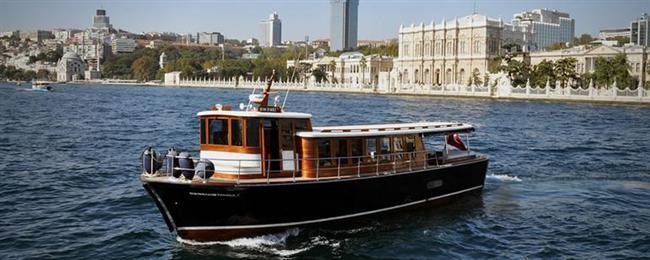 BOĞAZ'DA TEKNE  TEKNE SEFASI / İSTANBUL  Sağınız Asya, solunuz Avrupa... Den Den Yatçılık'tan 12 kişilik tekneyi saati 565 TL'ye. Berrak İstanbul'dan 20 kişilik tekneyi saati 2865 TL'ye kiralayabilirsiniz. / Boğaz'ın her iskelesi
