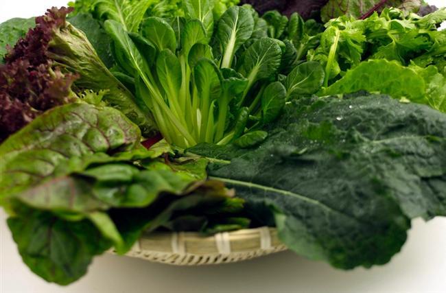 Yeşil yapraklı sebzeler  Lahana, ıspanak, kale gibi yeşil yapraklı sebzeler C ve E vitaminlerinin yanı sıra faydalı lif ve amino asitler içeriyor. Yeşil yapraklı sebzeleri çiğ halde yemek ise besin değerlerinin tamamen tüketilmesini sağlıyor.