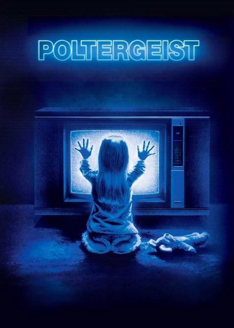 Poltergeist / Kötü Ruh (1982)  Freeling ailesi oturdukları evin eski bir mezarlığın üzerine inşa edildiğinin hiç de farkında değillerdir. Bu bir süreliğine sorun değildir; ancak ne zaman ki hayaletler bu evin sakinlerini rahatsız etmeye başlar, işte o zaman bu mezarlık meselesi büyük bir sorun haline gelir. İşin kötüsü küçük kızları Annie de hayaletler tarafından başka bir boyuta kaçırılmıştır. Anne ve baba kızlarını kurtarmak için elinden geleni yapacaklardır. Bunun için de metafiziksel kimi yöntemlere başvuracaklardır. Hayaletlerin küçük kızı kaçırmaları ise amaçsız bir hareketin tezahürü değildir.