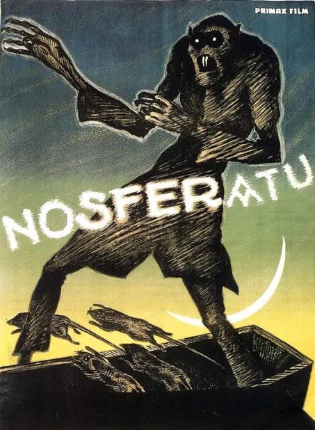 Nosferatu (1922)  Thomas Hutter Almanya'nın Wisborg isimli bir şehrinde, Knock isimli patronu için çeşitli işler yapan sıradan bir adamdır. Patronu genç adamı, Kont Orlok isimli yeni bir müşteriyi ziyaret etmesi göreviyle Transylvania'ya gönderir. Yolcuğa çıkan Hutter, Carpathian dağlarına eriştiği sırada mola verir ve burada karşılaştığı yerli insanlarla sohbete başlar. Kont Orlok'u görmek için geldiğini söylediğinde ise herkes dehşete kapılır. Yerliler Hutter'a bir an önce geri dönmesini, Orlok'un esrarengiz bir kişilik olduğunu ve civarda bir kurt adamın dolaştığını söyleyerek onu vazgeçirmeye çalışsalar da Hutter tehlike ve gizem dolu bu yolculuğa atılmak için bir an bile tereddüt etmeyecektir.  Stoker'ın Draculası'ndan izinsiz olarak uyarlanan Nosferatu, ünlü Alman yönetmen W. Murnau tarafından yönetilmiş bir başyapıt.