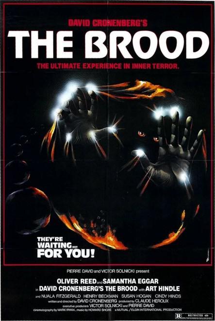 The Brood (1979)  Ölü İkizler'', ''M. Butterfly'' ve iki sezon önce ülkemizde de gösterilen ve epey bir gürültü koparan ''Çarpışma''nın yönetmeni David Cronenberg'in senaryosunu da yazdığı ve bir anlamda kabuslarını perdeye taşıdığı ''Kuluçka'', herkesin hoşlanabileceği bir film değil. Deneyler sonucunda sakat kalan bir kadın, şeytan ruhlu katil çocuklar dünyaya getirir. Çocuklar kızdıkları zaman karşılarına çıkanı öldürürler.