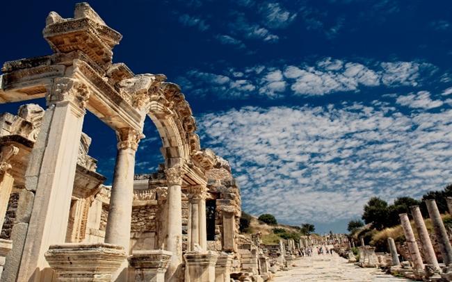 Efes Harabeleri'ni keşfetmek.