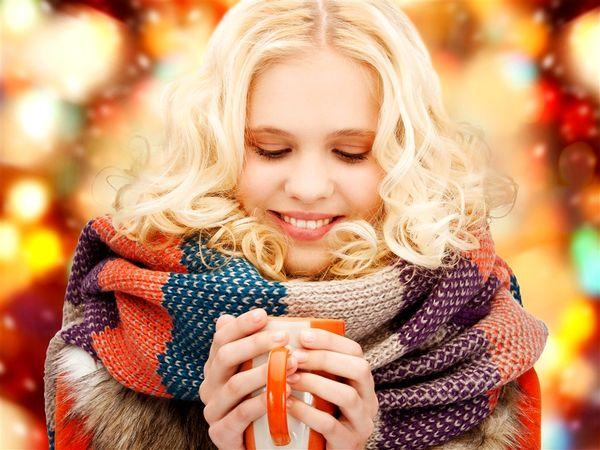 Ekim: Bağışıklık sistemine dikkat!   Ekim, soğukların kendini iyiden iyiye hissettirmeye başladığı aydır. Dolayısıyla, vücudunuzun soğuk havalarla ve grip gibi hastalıklarla baş edebilecek kadar güçlü olması gerekmektedir. Soğuklarla baş etmenin en iyi yollarından biri ise, yeşil çay.