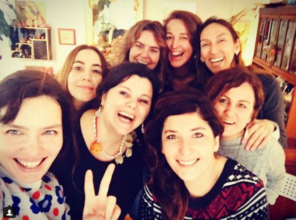 Şebnem Bozoklu  Kızlar kahvaltıda buluştu bu sabah ❤️ okşan şef @oksan5 evinde ağırladı🍪 @niltakipte @ironique @merveberkman @melisbelgin @ocalasli ve bahar kerimoglu