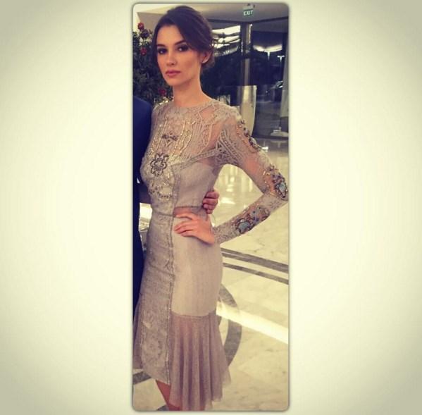 Leyla Lydia Tuğutlu  Yetenekli kızlar bu harika elbise için teşekkür ederim😘😘😊