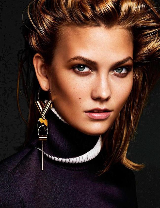 YILIN HAYIRSEVER KADINI: KARLIE KLOSS (HALK JÜRİSİ)  23 yaşındaki Amerikalı manken Karlie Kloss, Vogue Paris tarafından '2000'li yılların en başarılı 30 modeli' arasında gösterildi. 2013-2015 yılları arasında Victoria's Secret mankenliği yaptı. Bu listede yer almasının ilk sebebiyse; 'Karlie'nin Kurabiyeleri' adlı bir kurabiye markası yaratması. Süt ürünleri ve gluten kullanılmadan üretilen bu kurabiyelerden elde ettiği gelirin tamamını yardıma muhtaç çocuklara bağışlıyor. Dahası var... Karlie aynı zamanda kız öğrencilerin de bilgisayar programı yazmak konusunda teşvik edilmesi için bir okula 20 bin dolar bağışta bulundu.