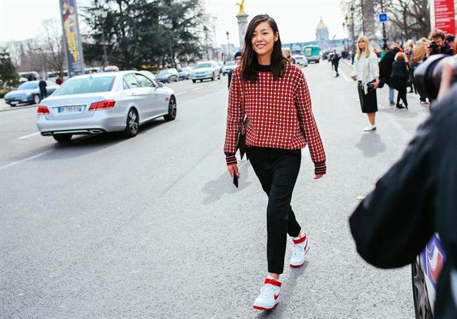 EN İYİ SOKAK STİLİNE SAHİP KADIN: LİU WEN (HALK JÜRİSİ)  27 yaşındaki Çinli model, 2010 yılında Victoria's Secret'ın şovunda yer alarak popülerlik kazandı. Estee Lauder kozmetik markasının ilk Asyalı yüzü oldu. 2012 yılında The New York Times gazetesi onu 'Çin'in ilk gerçek süpermodeli' olarak tanımladı. 2013'te Forbes dergisi tarafından 'en çok kazanan Asyalı model' seçildi. Vücut ölçüleri 81-54.5-90; boyu 1.78 m.