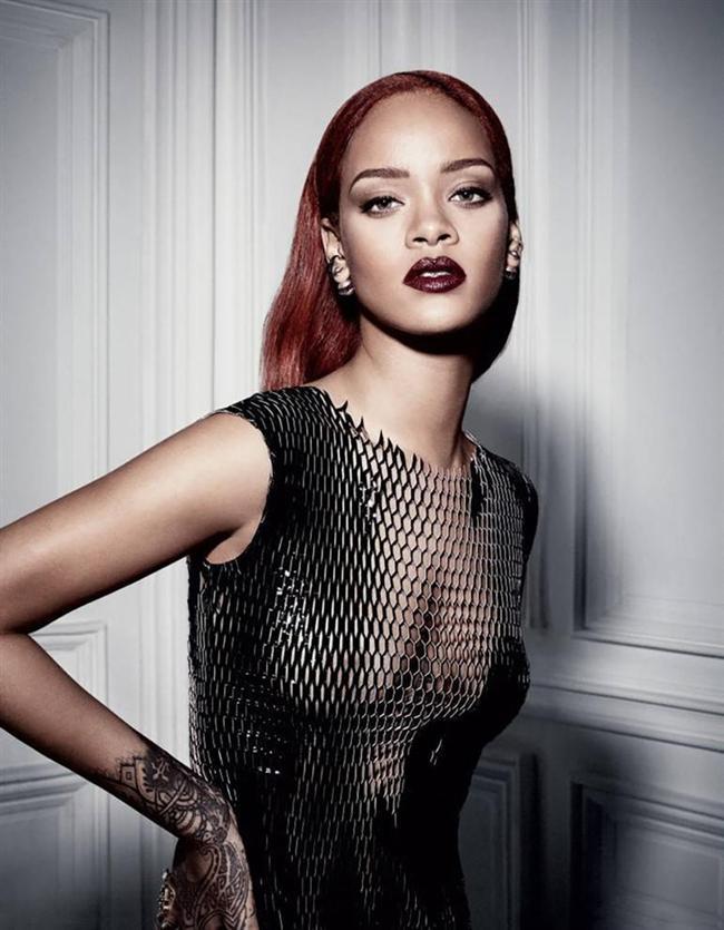 YILIN EN BAŞARILI KADIN ÜNLÜ-MODELİ: RIHANNA (UZMAN JÜRİ)  Yılda bir kez yayınlanan Dior Magazine dergisinin kapak kızı olan Rihanna, bu pozuyla 'yılın en başarılı kadın ünlü-modeli' seçildi.