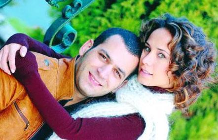BURÇİN TERZİOĞLU VE MURAT YILDIRIM  Fırtına dizisinde başlayan aşklarını evliliğe taşıdılar. Ama çift geçen yıl boşandı.