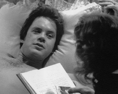 SUSAN SARANDON VE TIM ROBBINS  Bull Durham (Boğa Durham) filminin setinde aşık oldular birbirlerine. Sarandon ile Robbins'in uzun yıllar süren ilişkisi sona erdi.
