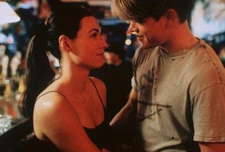 MINNIE DRIVER VE MATT DAMON  Damon kariyerinin en önemli adımlarından biri olan Good Will Hunting'de (Can Dostum) birlikte oynadığı Driver'a aşık oldu. Ama bu aşk uzun sürmedi.