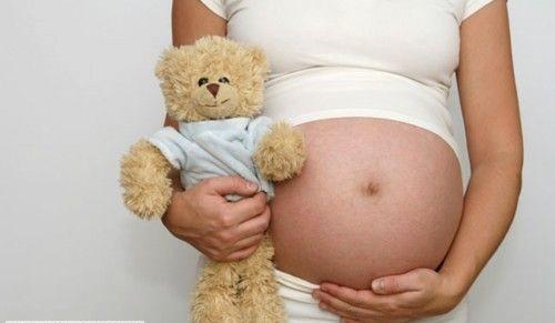 Hamile kadın aş ererken neye bakarsa doğacak çocuk ona benzeyecektir.