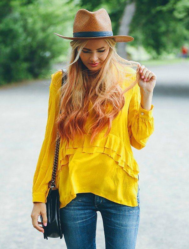 Fırfırlı Gömlekler  Fırfırlı bluz ve gömlekler;  hem vintage, hem de modern bir görünüm için ideal.