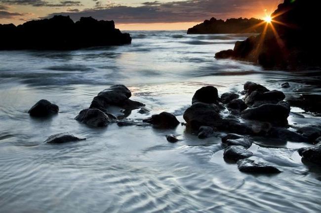 LONGAZ  Deniz veya ırmaklarda birdenbire derinleşen yer