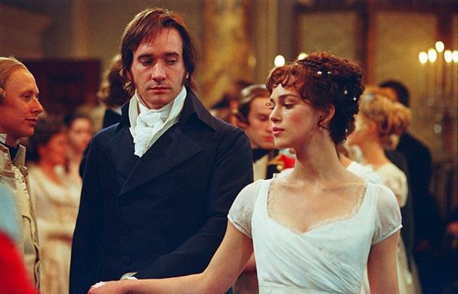 2005 yapımı Aşk ve Gurur(Pride and Prejudice) filminde Lizzie karakterinin dans sahnesi için giydiği beyaz elbise