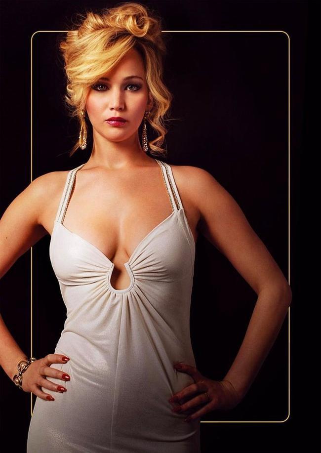 Jennifer Lawrance'ın Düzenbaz(American Hustle) filminde giydiği bu beyaz elbise
