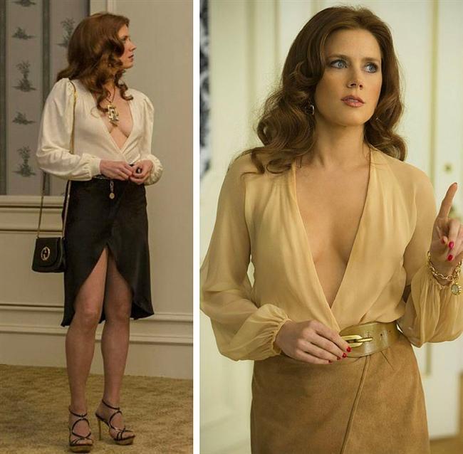 Yine aynı filmde Amy Adams'ın giydiği bütün kıyafetler