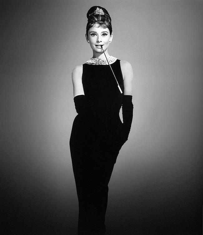 1961 yapımı Tiffany'de Kahvaltı filminde Audrey Hepburn'ün Givenchy elbisesi
