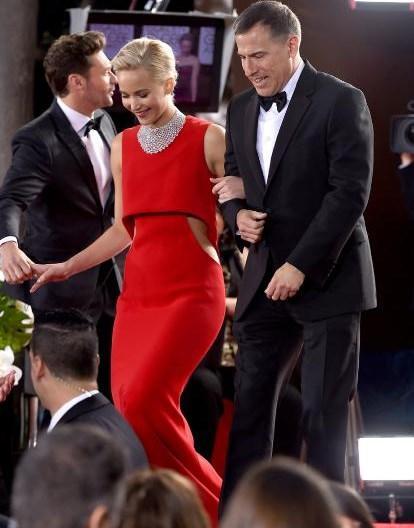 """En İyi Kadın Oyuncu (Drama): Brie Larson, """"Room"""" (Gizli Dünya).  En İyi Erkek Oyuncu (Müzikal ve Komedi): Matt Damon, """"The Martian"""" (Marslı).  En İyi Kadın Oyuncu (Müzikal ve Komedi): Jennifer Lawrence, """"Joy""""."""
