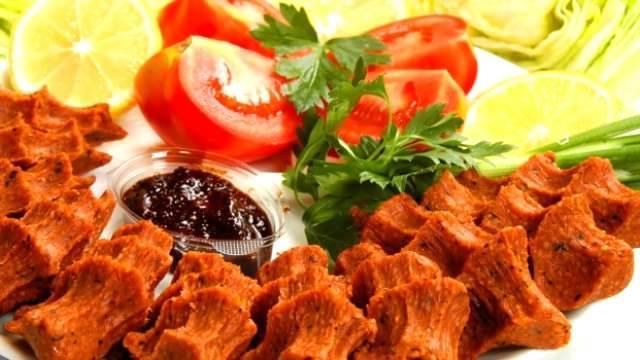 Fastfood ve çiğ köftecilerde verilen garnitürler
