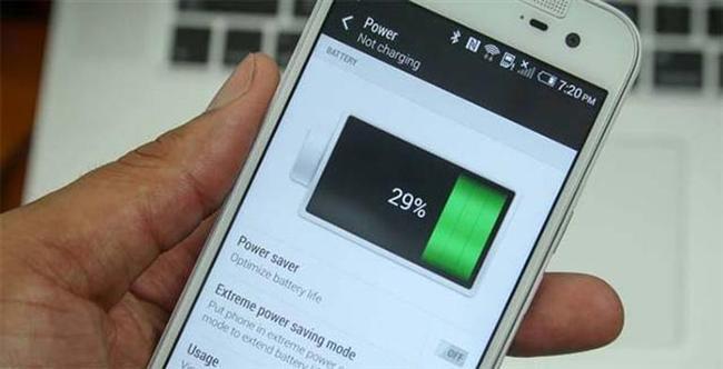 2- Telefonun şarjı bitmeden yeniden şarj edilmemelidir.  Bu durum Lityum-ion piller için geçerli değildir. Bu piller eski tür piller ile aynı ham maddeyi içermezler. Bu nedenle tamamen bitmeden yani içinde şarj varken bile yeniden doldurulabilir. Öyle ki; bu durum telefonunuzun bataryasının daha fazla performans göstermesini sağlayabilir.
