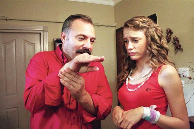 Adanalı  Oktay Kaynarca'nın başrolünü oynadığı dizide tanıdı çoğumuz Serenay Sarıkaya'yı.