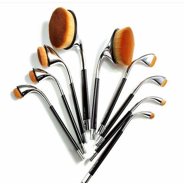 Bunlar yeni nesil makyaj fırçaları.