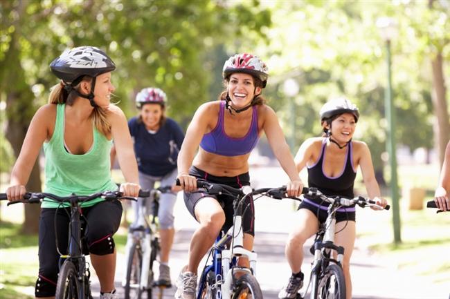 Bisiklete binmek (19-22km hızla)   30 dak 350 kalori 1 saat 700 kalori
