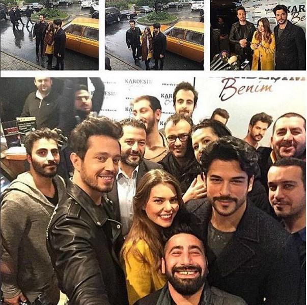 Burak Özçivit  Bozz selfisi... Ön gösterim tamamlandı... Sıra geldi #KardeşimBenim galasına son 6 gun... 15 Ocak'ta sizlerleyiz. Kavuşmaya az kaldı... @muratboz @aslienver