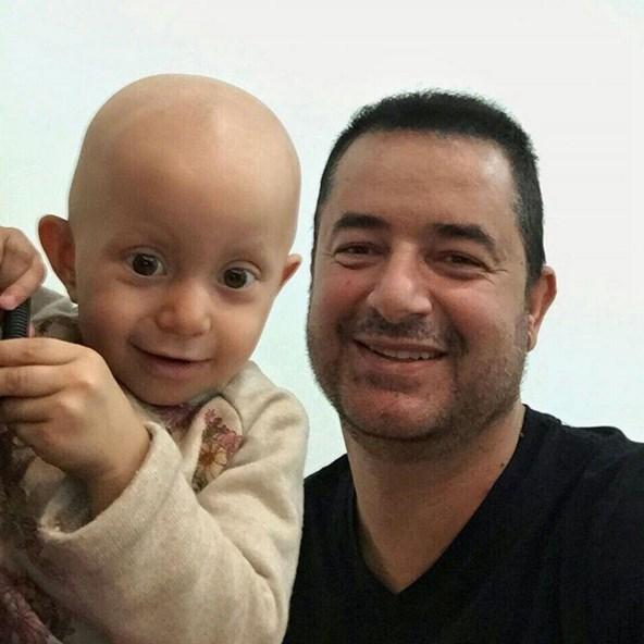 Acun Ilıcalı  Kanserli çocuklara umut vakfına destek için güzel şeyler yapacağız.