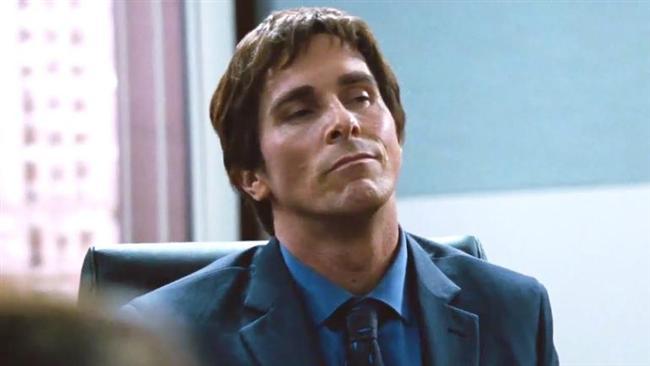 EN İYİ YARDIMCI ERKEK OYUNCU  Christian Bale, 2011 yılındaki 'Dövüşçü' filmiyle 'En İyi Yardımcı Erkek Oyuncu' ödülü almıştı. Bu yıl da aynı kategoride aday.  * Christian Bale, Büyük Açık (The Big Short) * Tom Hardy, Diriliş (The Revenant) * Mark Ruffalo, Spotlight * Mark Rylance, Casuslar Köprüsü (The Bridge of Spies) * Sylvester Stallone, Creed