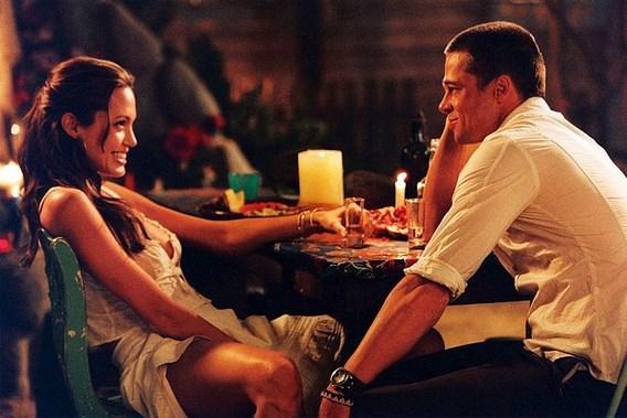 Oysa Angelina'nın karşısına Brad Pitt geçtiğinde ortalığı adeta alev almıştı.