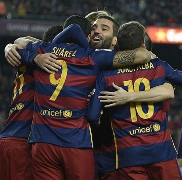 Arda Turan  Cok iyi üç puan çalışmaya devam muy bien tres puntos vamos a seguir trabajando visca Barça 👍⚽️💪