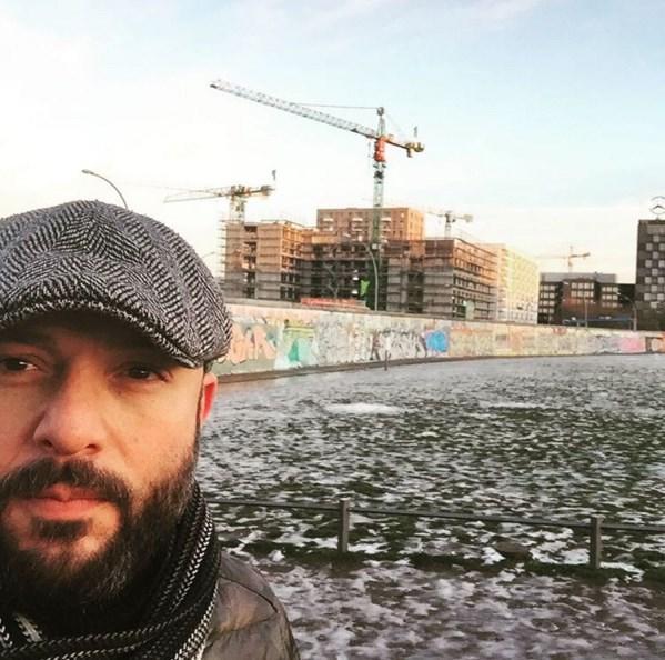 Tolga Tekin  İşte meşhuuurrr Berlin duvarı....#peace #humanity #Berlin ✌✌✌