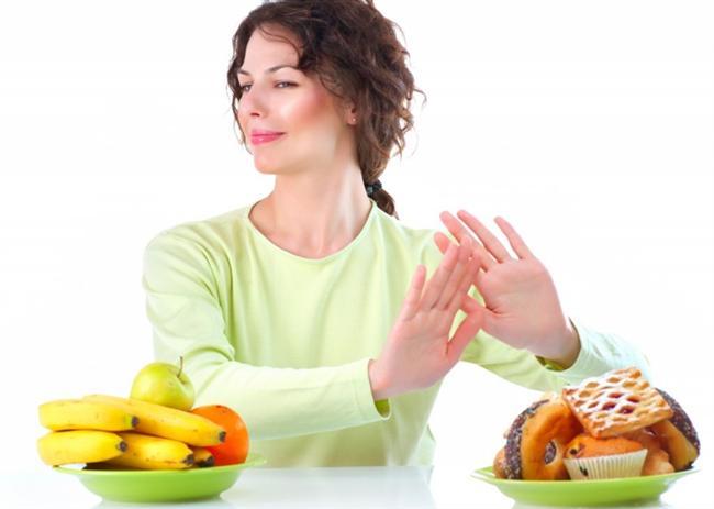 27- Kullanılan bazı ilaçların iştah artırıcı yan etkilerinden kaynaklı aşırı besin tüketimi karşısında doktor ile temasa geçmeden durumu kendi kendine kontrol etmeye çalışmak  28- Meyve yiyerek ya da sadece haşlanmış sebze tüketerek tek tip diyetlerle, kendi kendine zayıflamayı beklemek