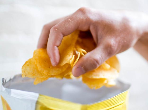 45- Açılan paketi bitirmeye odaklanmak, porsiyon kontrolü yapamamak  46- Başkaları istiyor diye kilo vermeye çalışmak