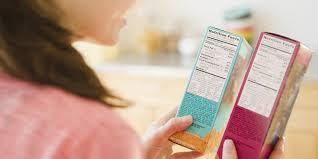 3- Zayıf olmak uğruna her gün aynı tatsız, tuzsuz yemeği yiyeceğine kendini ikna etmek. Tek tip diyetleri uygulayabileceğine inanmak  4- Kalori sayma konusunda obsesif olmak. Unutmayın kilo kaybında kalori kısıtlaması tek kıstas değildir, yediklerimizin içeriği, miktarı, zamanı, kombinasyonu, vücutta metabolizma olma hızı ve verimi ile hazırlama şekli de çok önemlidir.